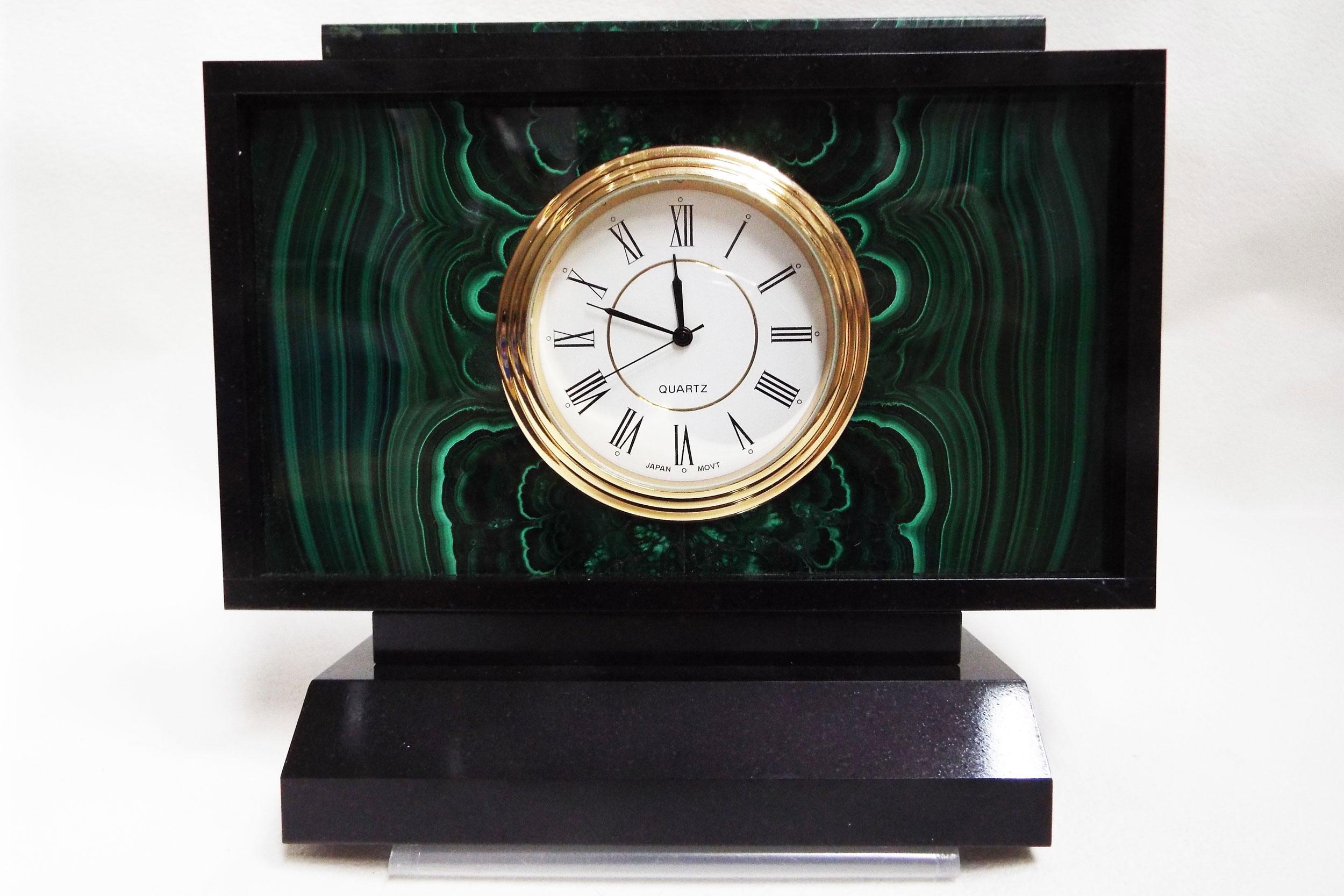 Часы из малахита