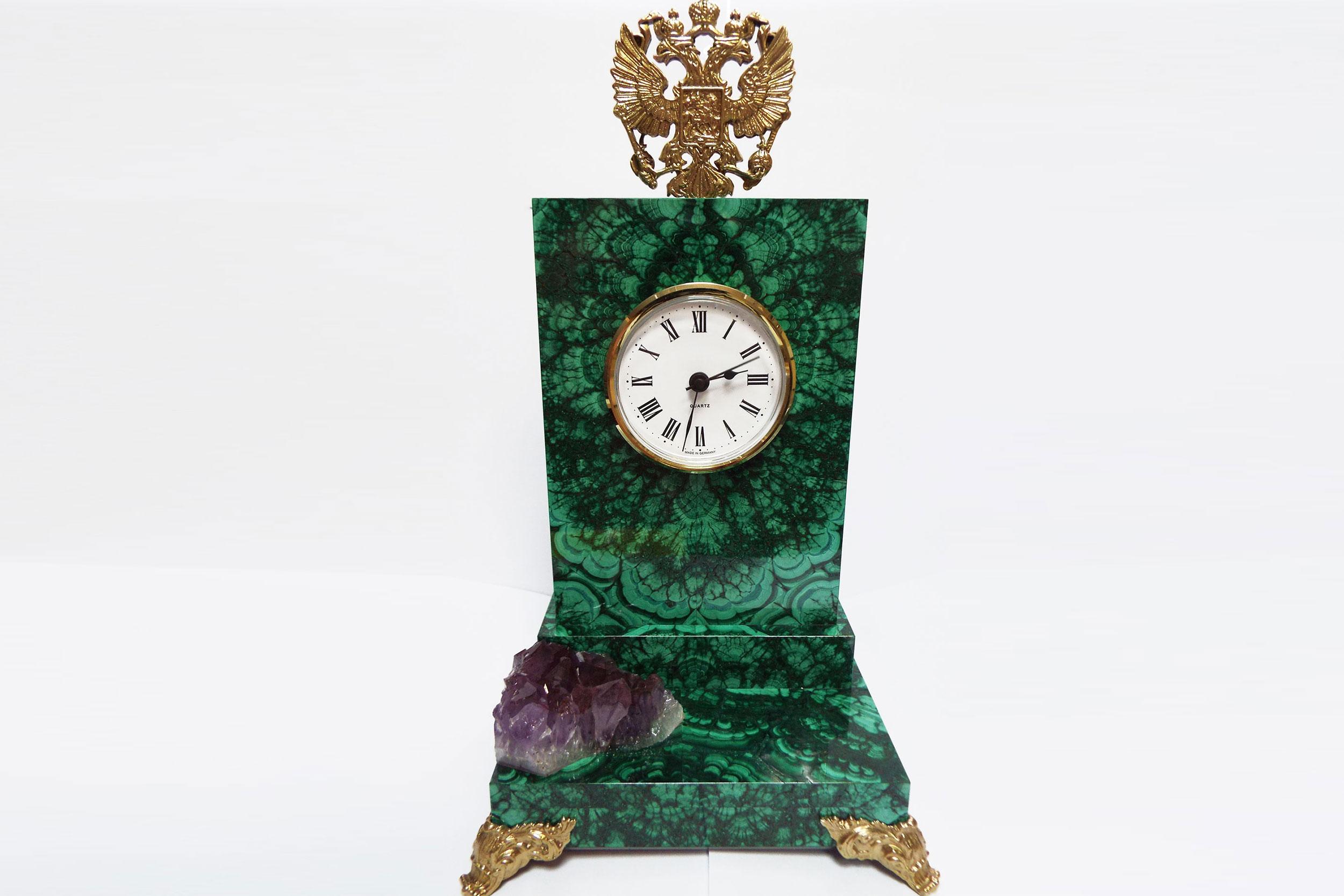 Часы из малахита с гербом