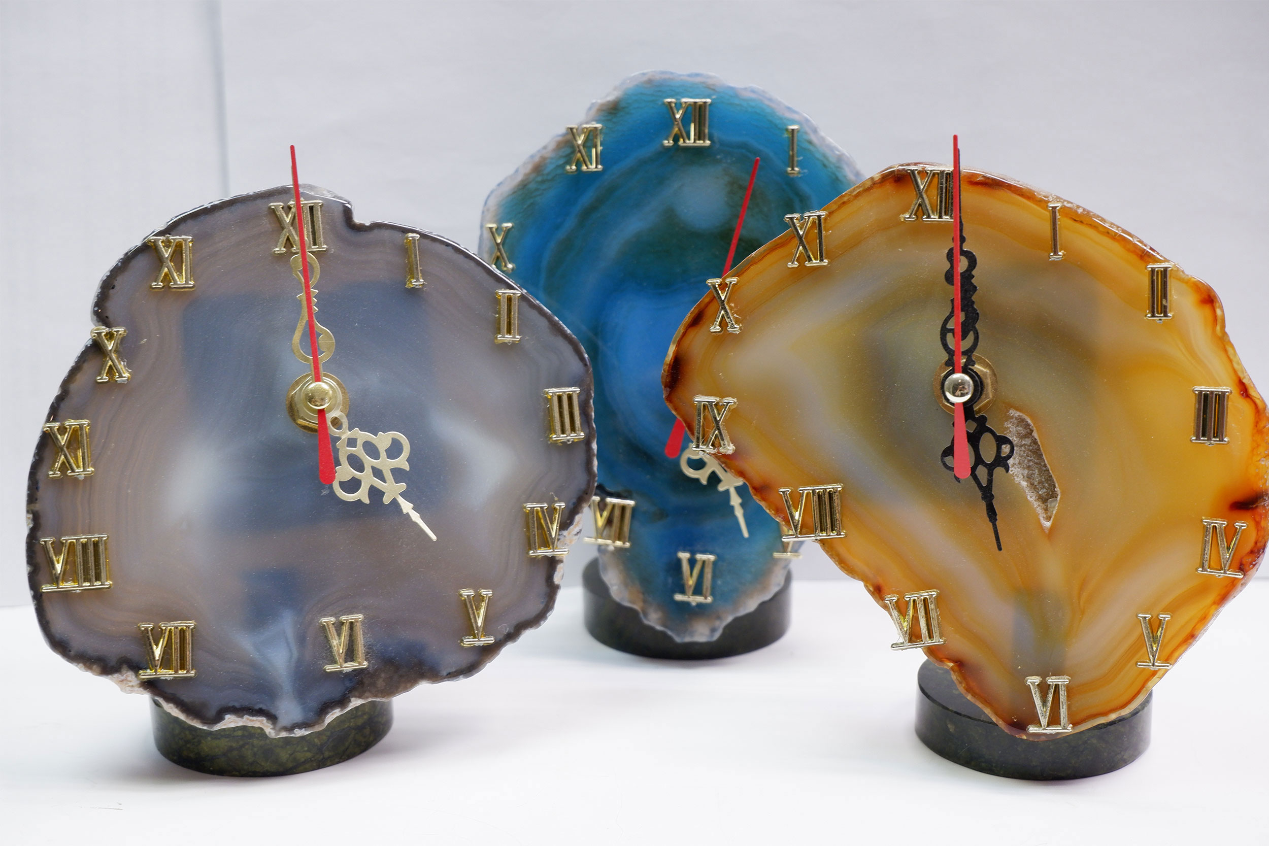 Часы на агате
