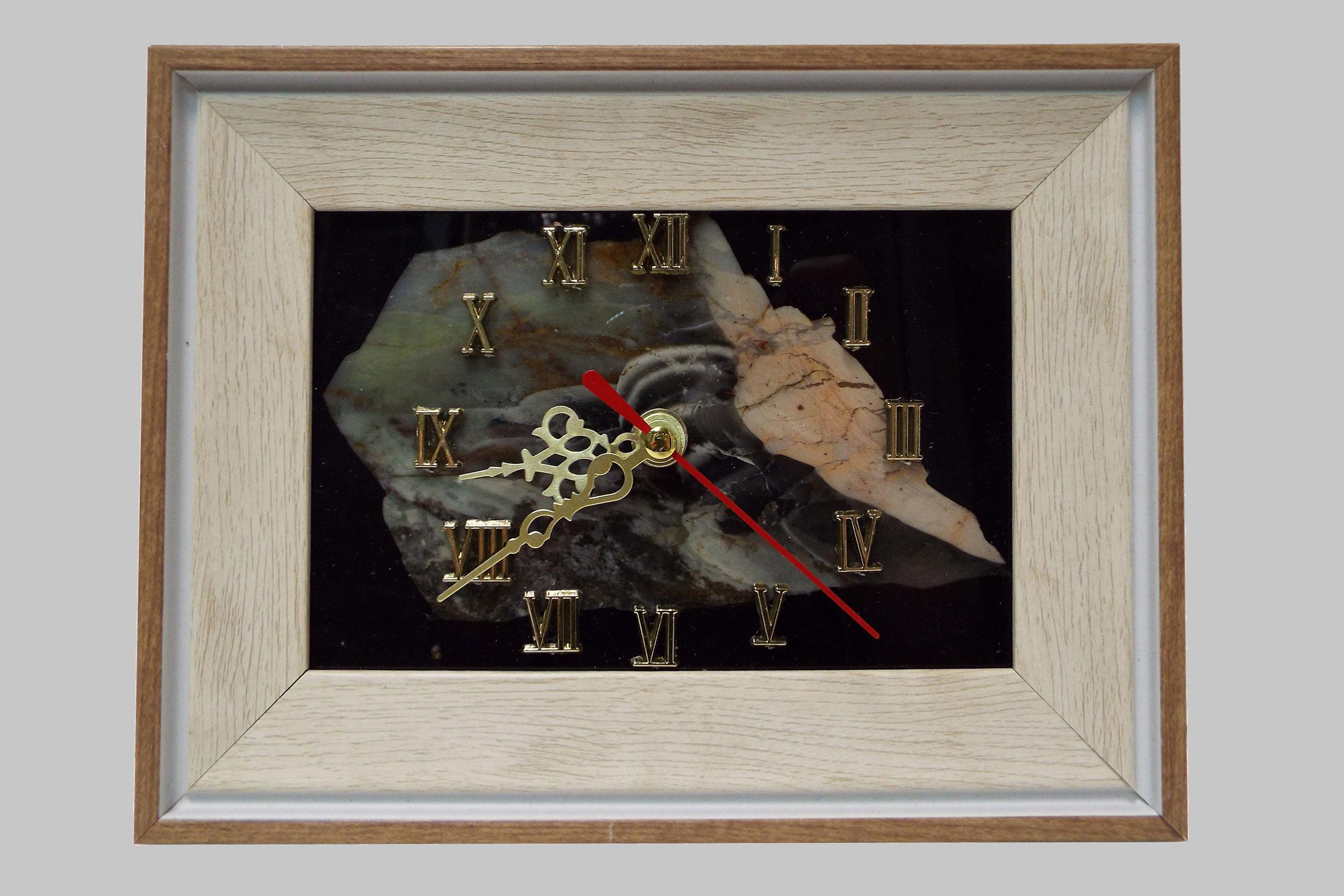 Часы-панно с яшмой