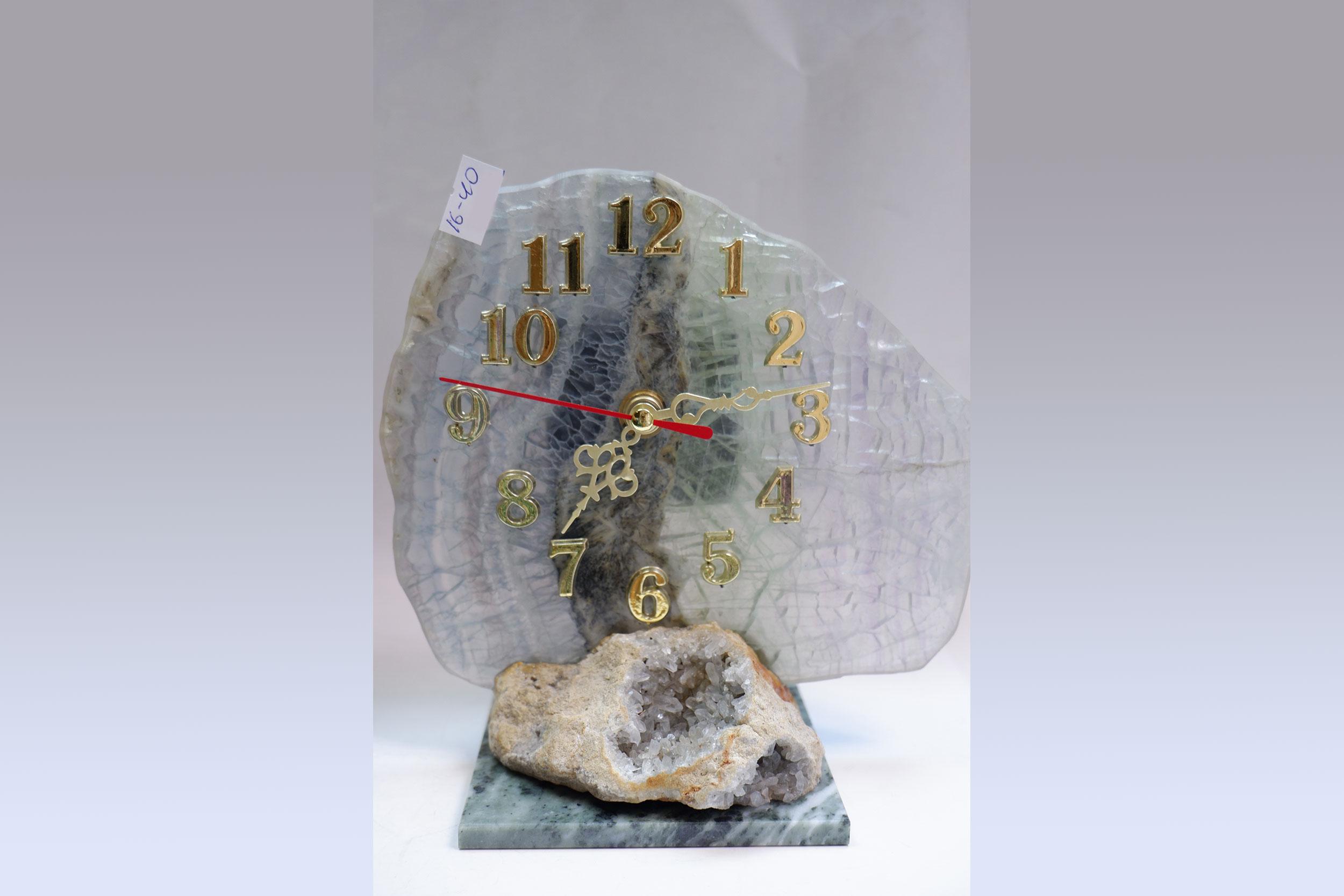 Часы из флюорита