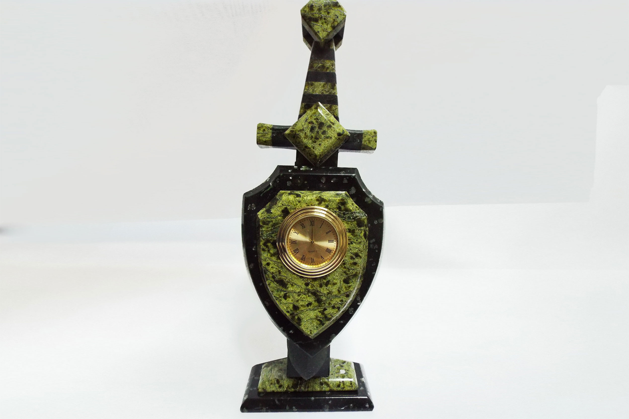 """Часы из змеевика """"Щит и меч"""""""