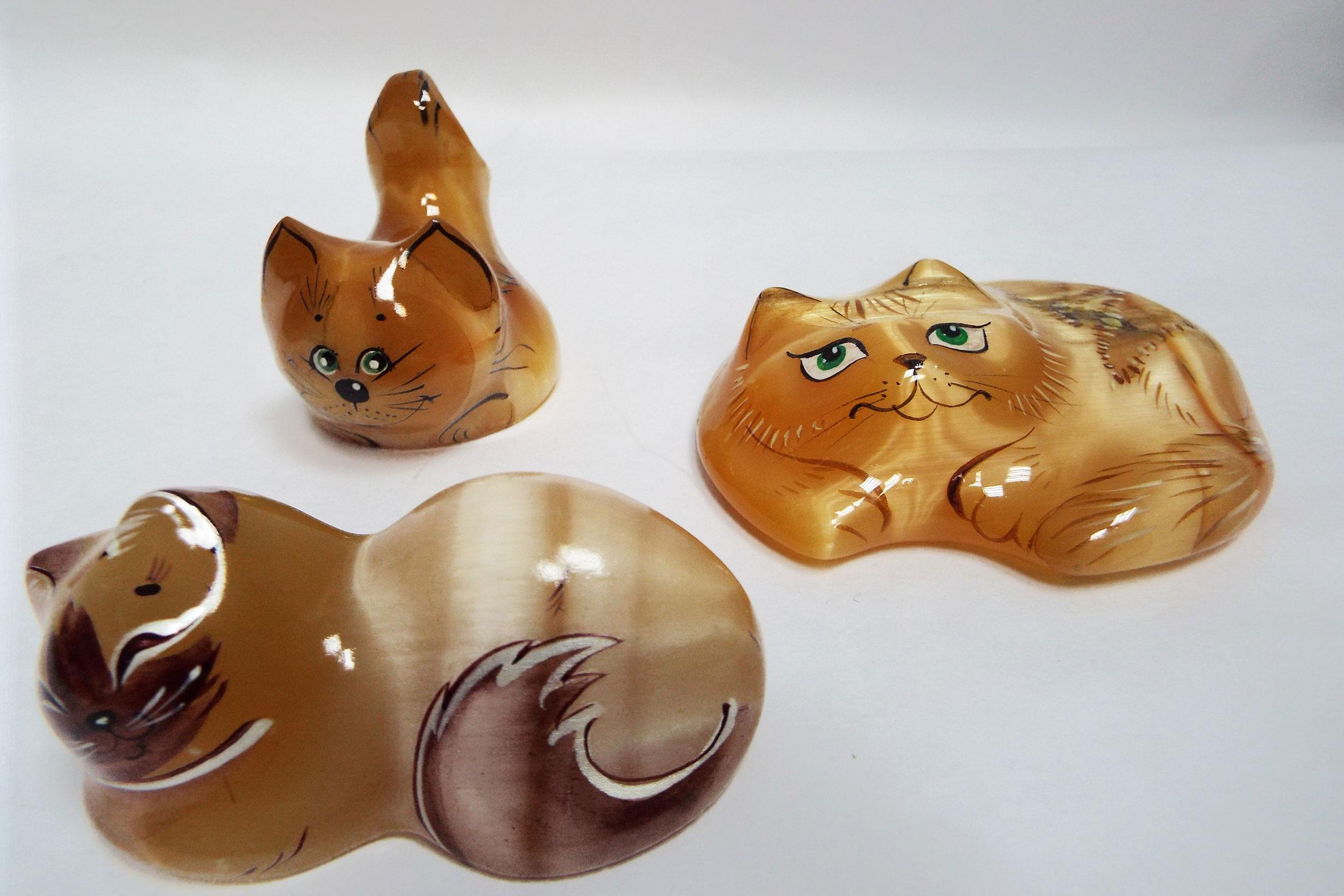 Кошки из селенита
