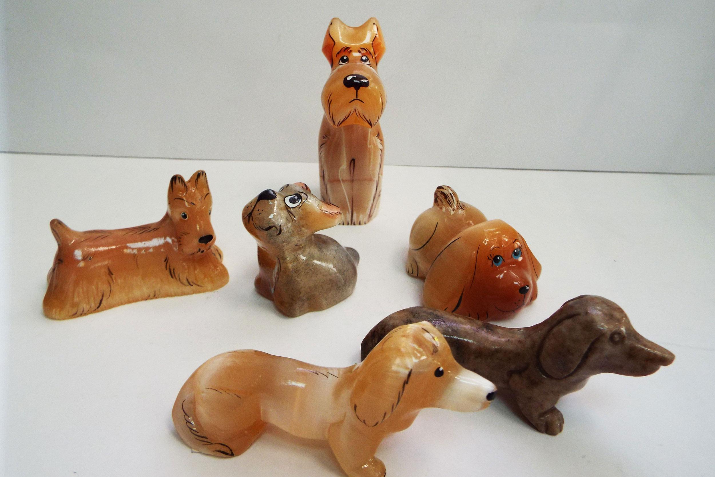 Собаки из селенита