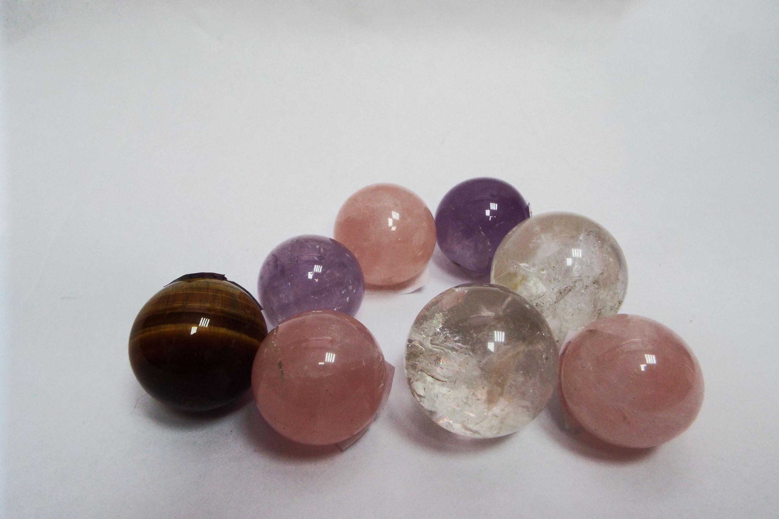 Шары из цветного камня