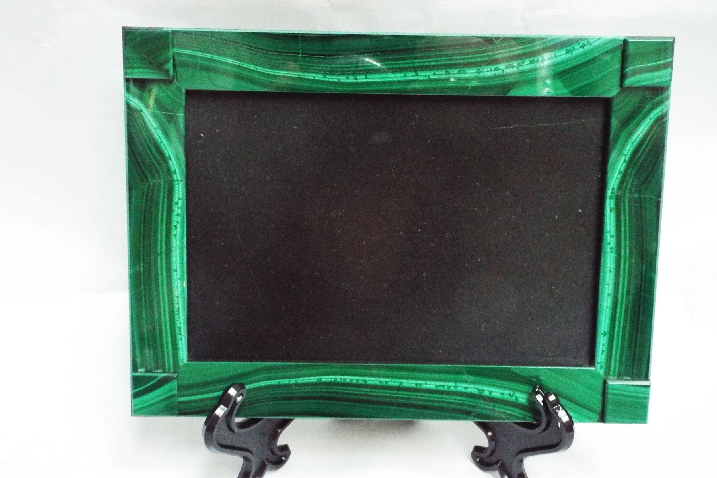 Рамка под фото из малахита