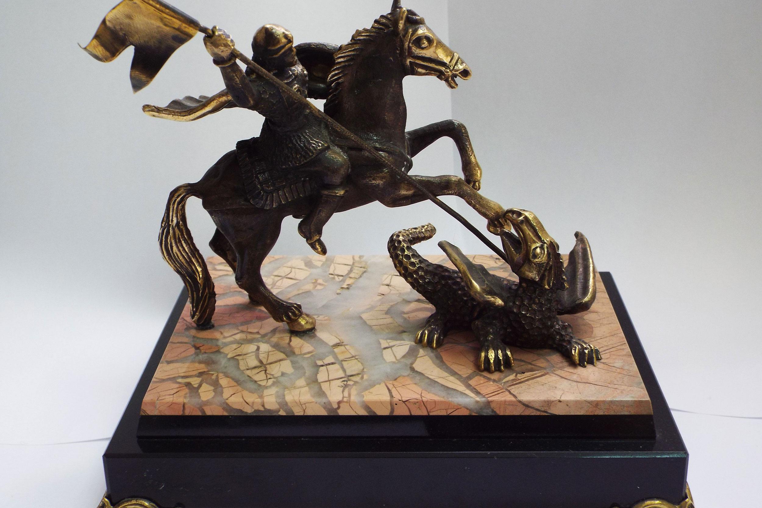 Георгий Победоносец из бронзы на яшме
