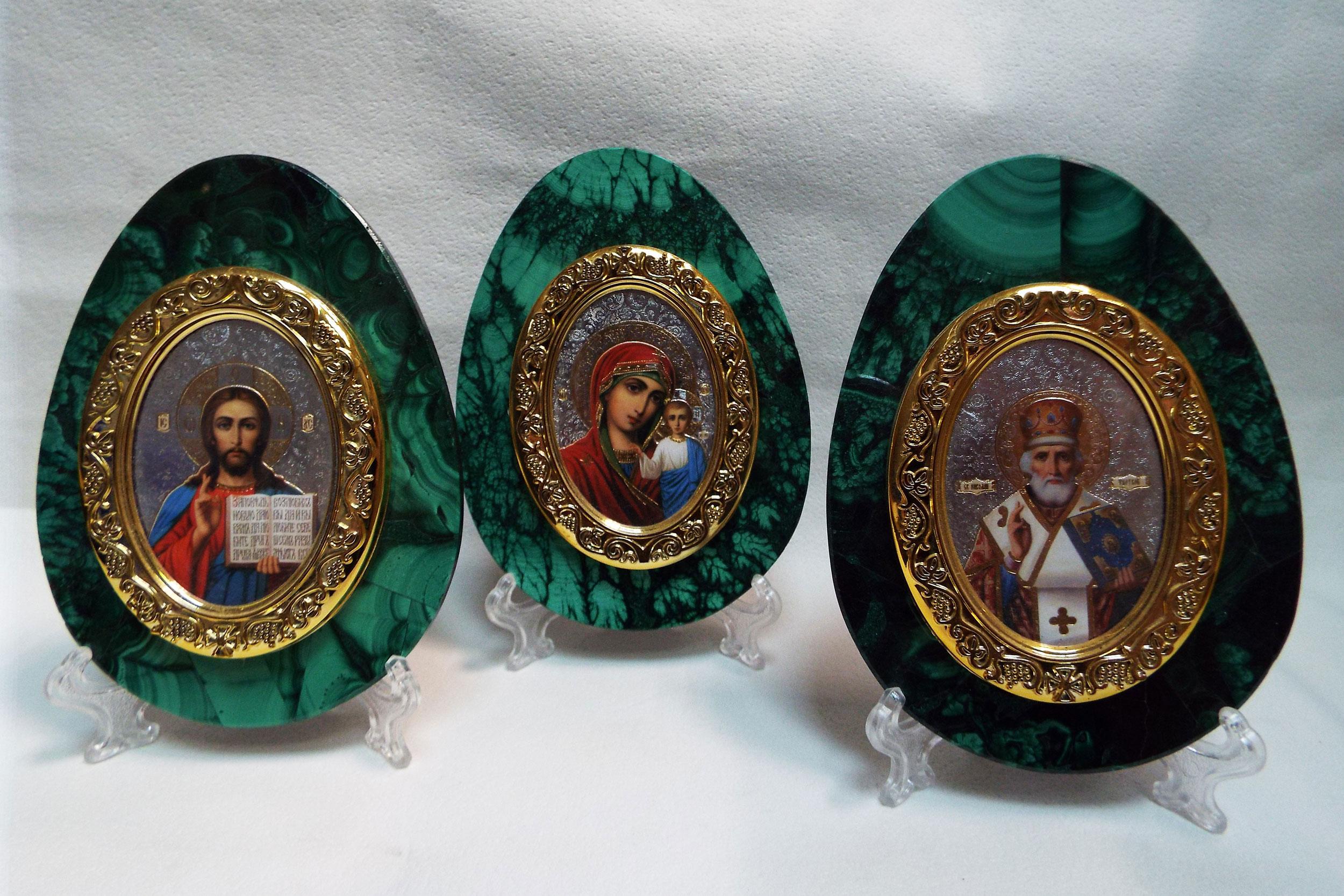 Иконы в малахите