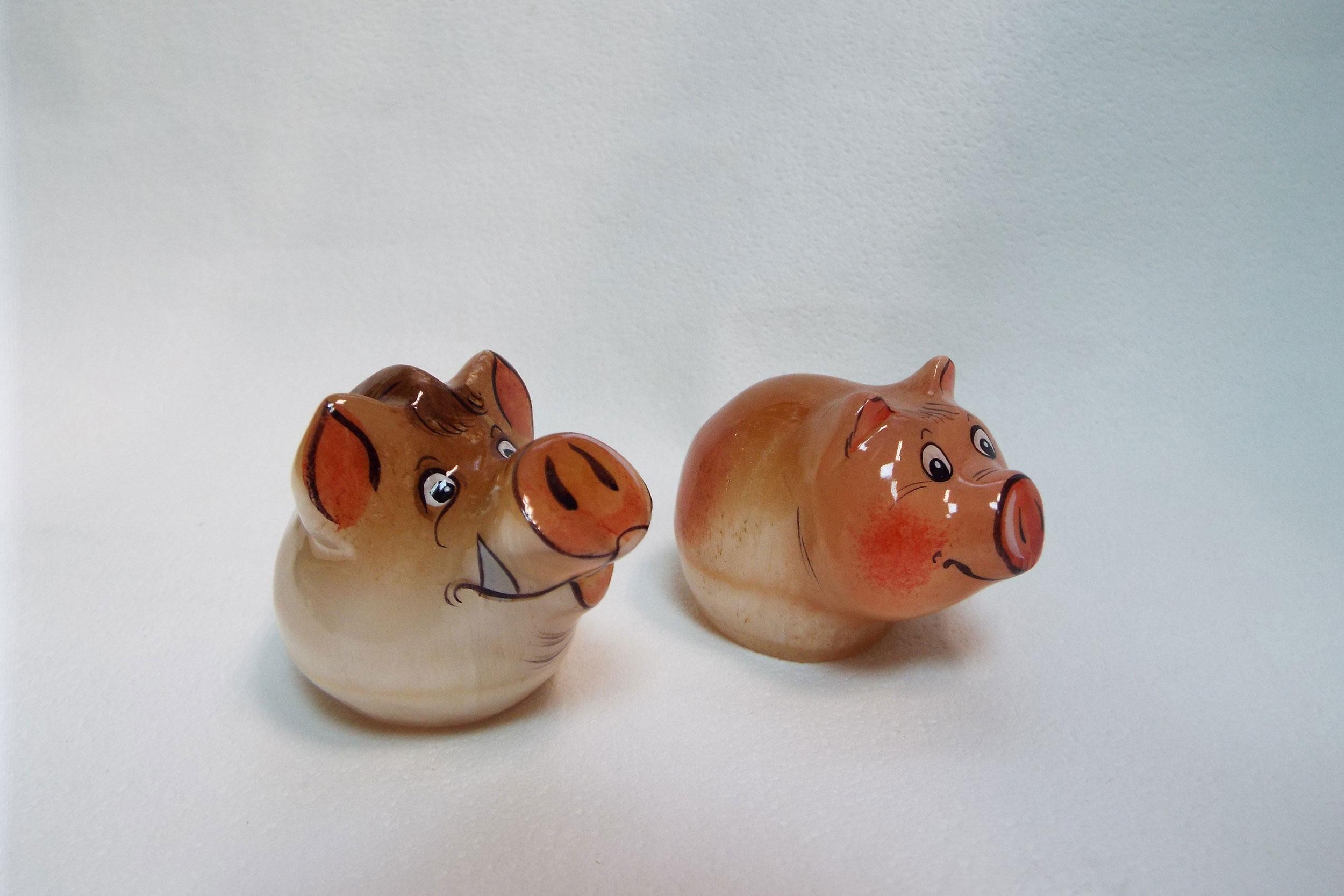 Кабан и свинка из селенита