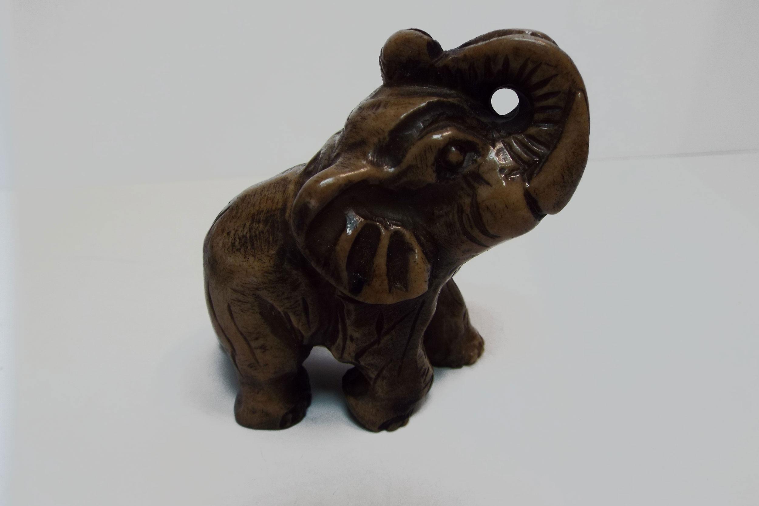 Слон из ангидрита