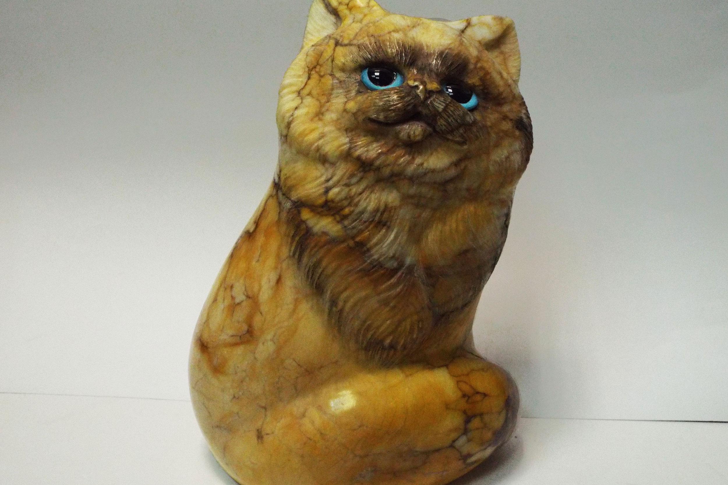 Кот из ангидрита, рыжий