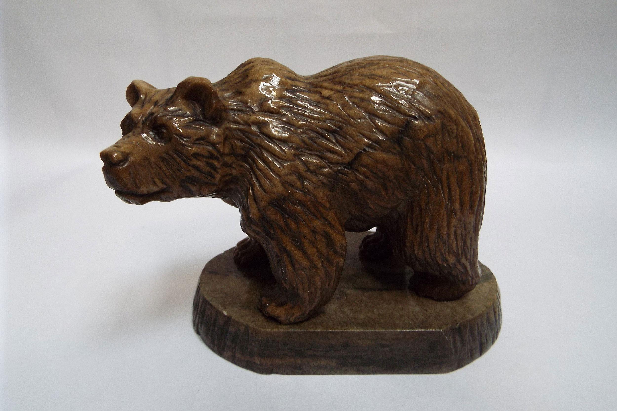 Медведь из ангидрита