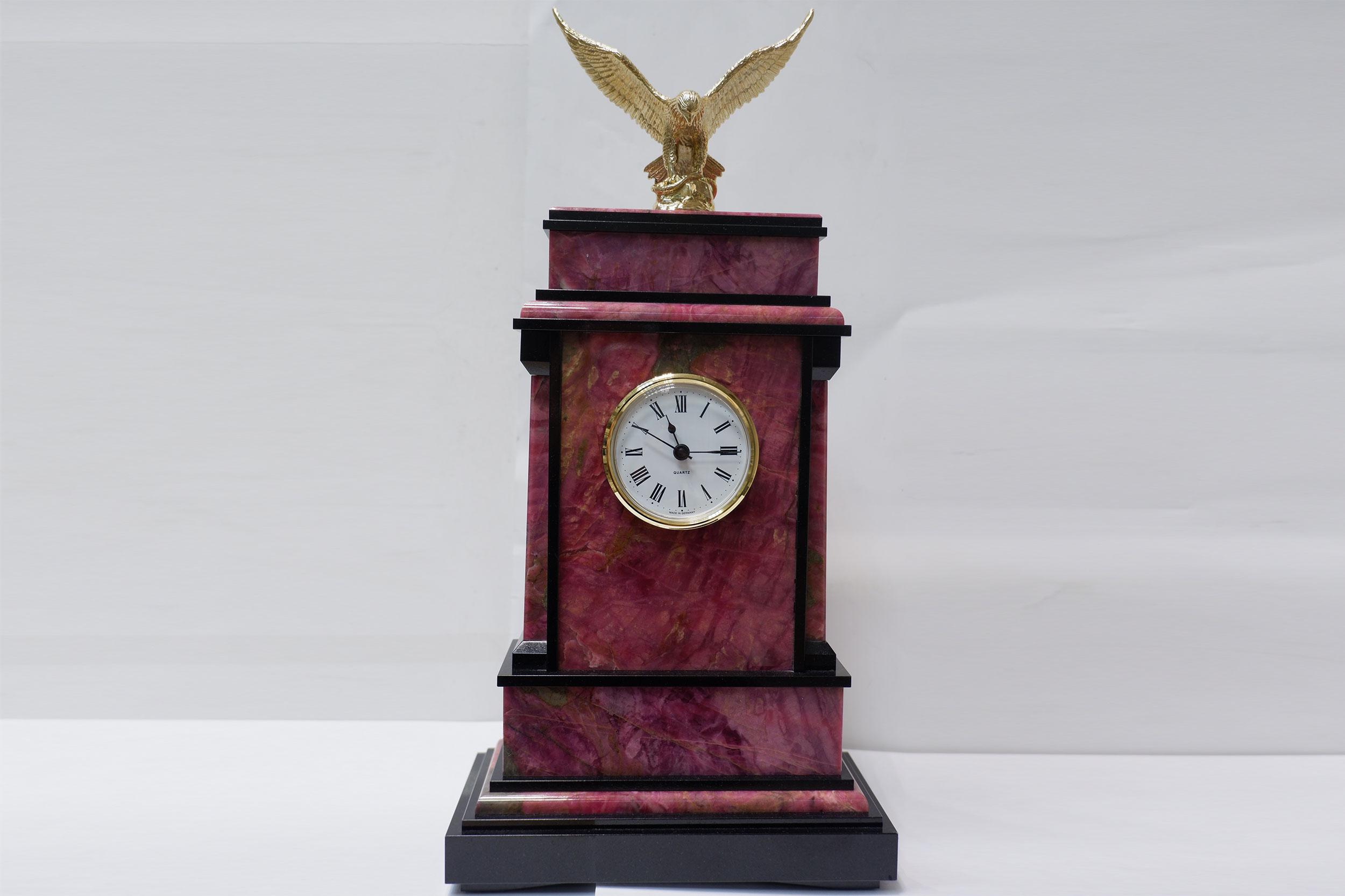 Часы из родонита