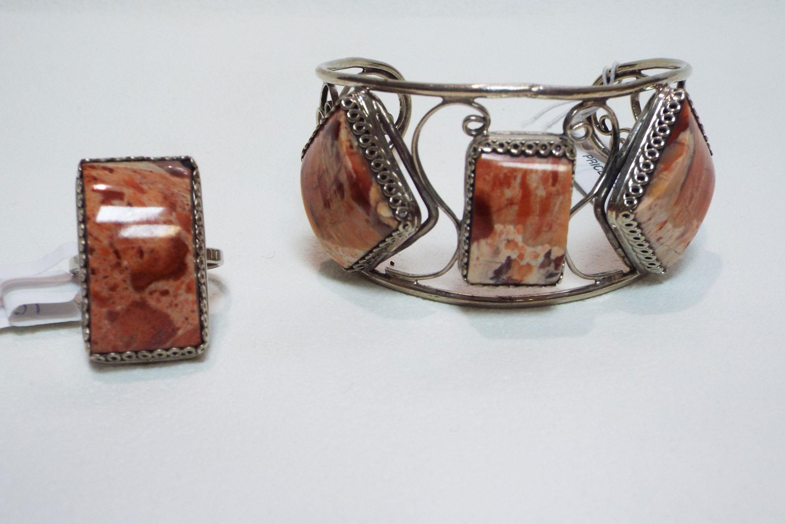 Браслет и кольцо из яшмы