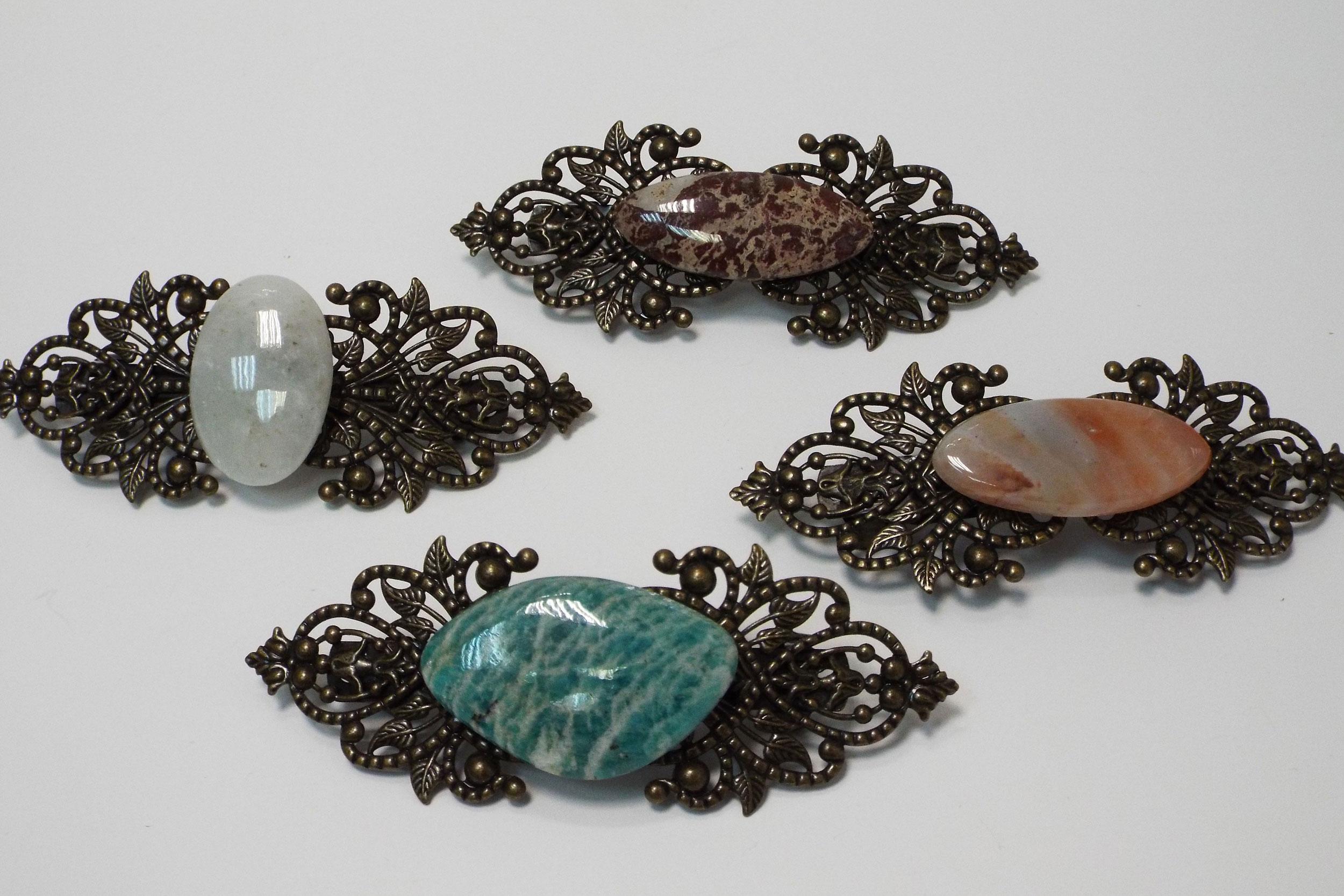 Заколки с цветными камнями