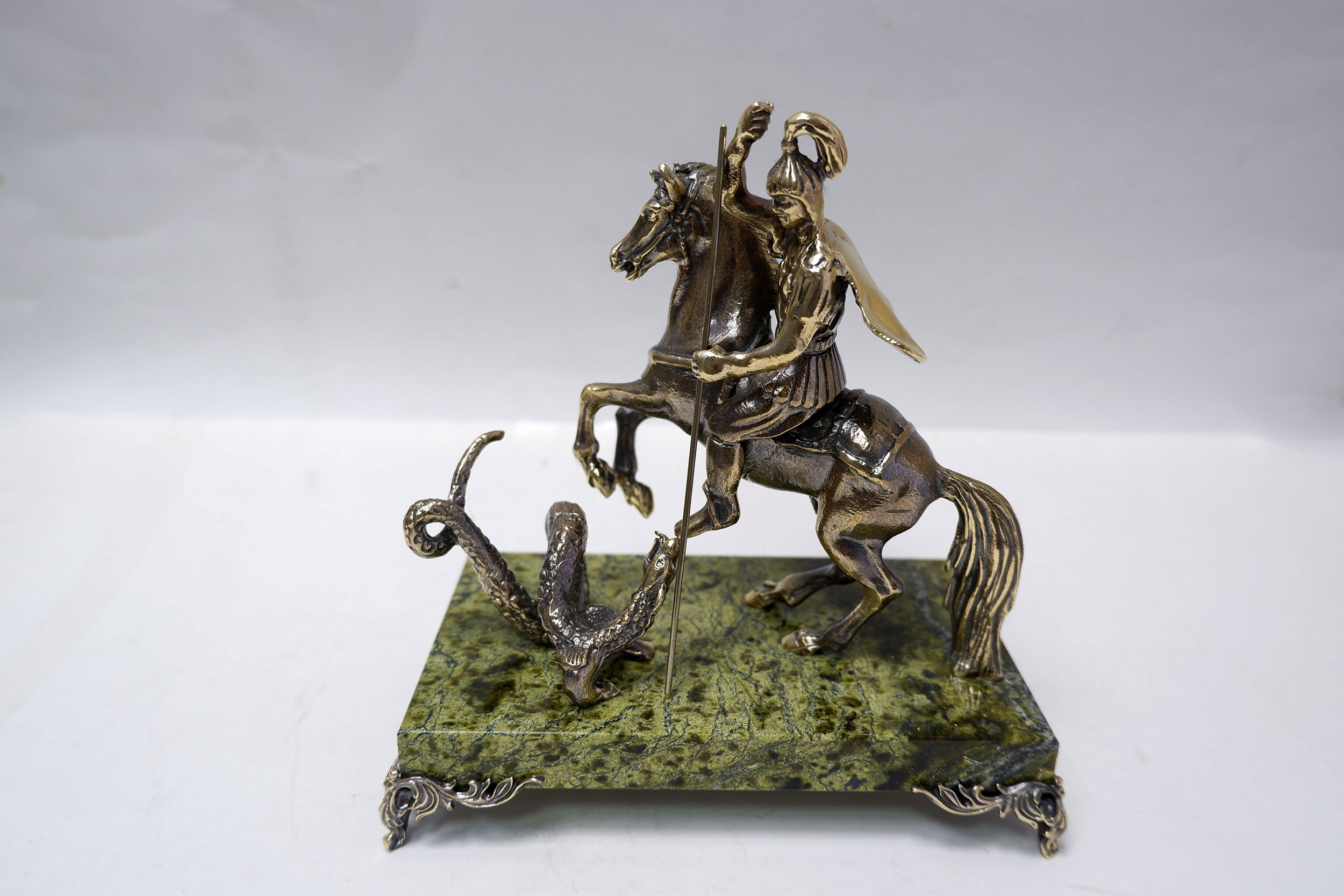 Георгий Победоносец на змеевике