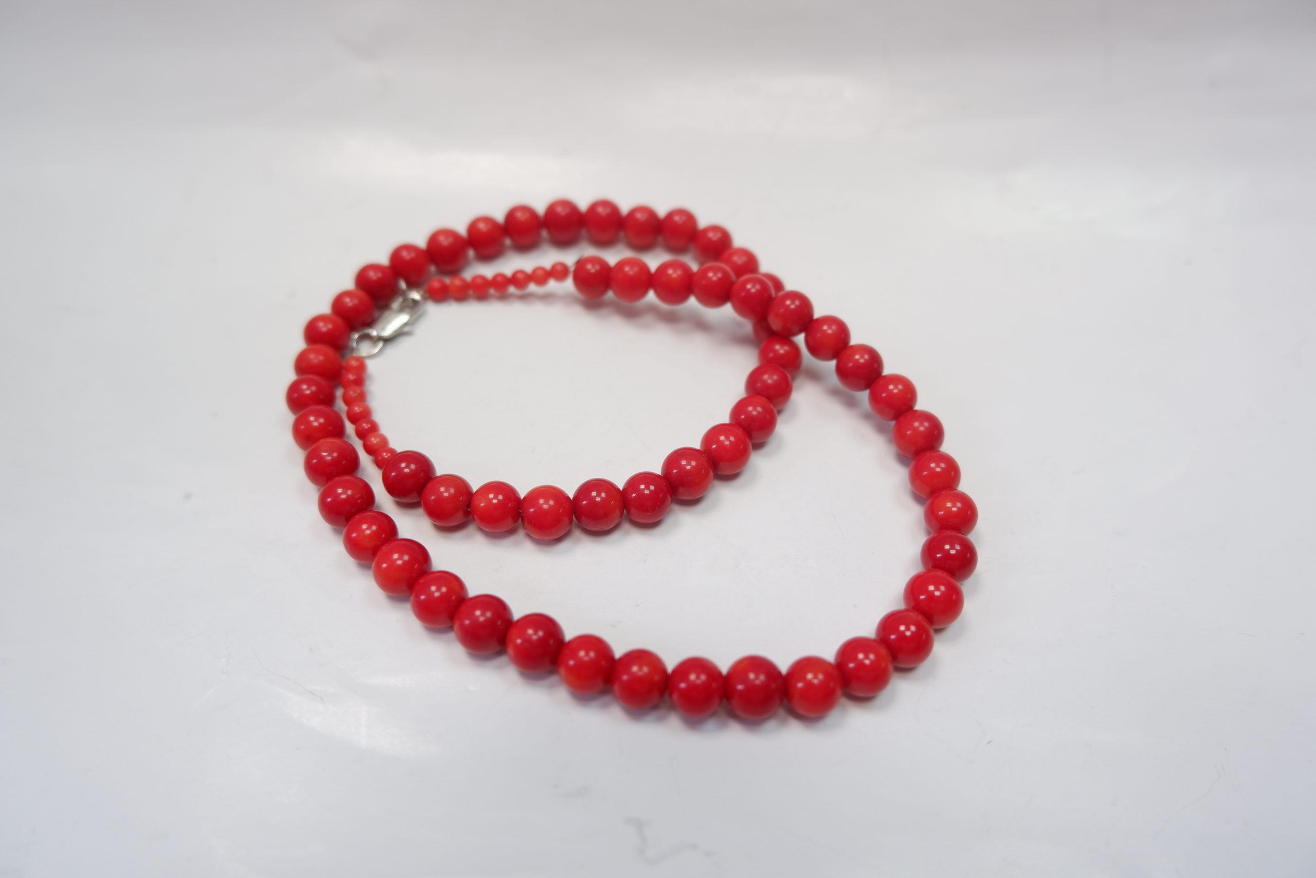 Бусы-шарик из красного коралла