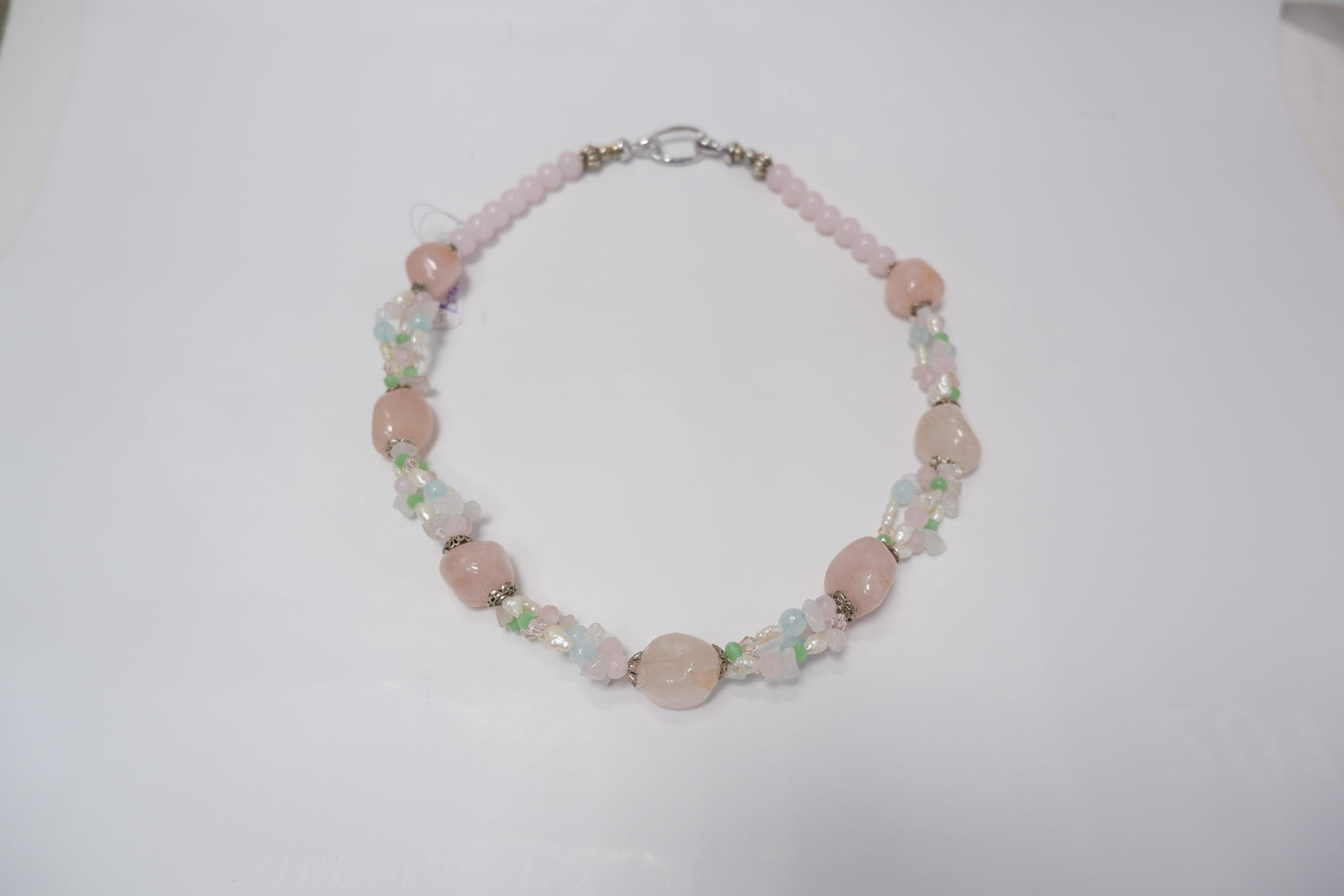 Колье «Весна» из розового кварца