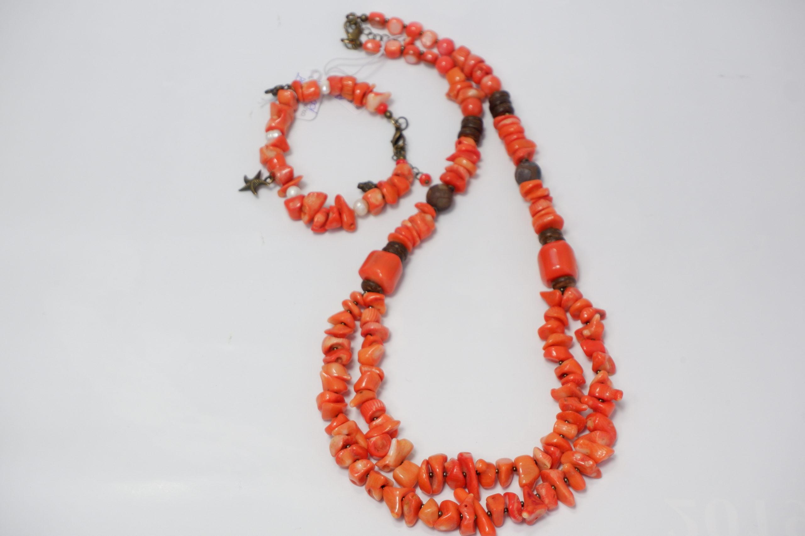 Колье из коралла двойное и браслет