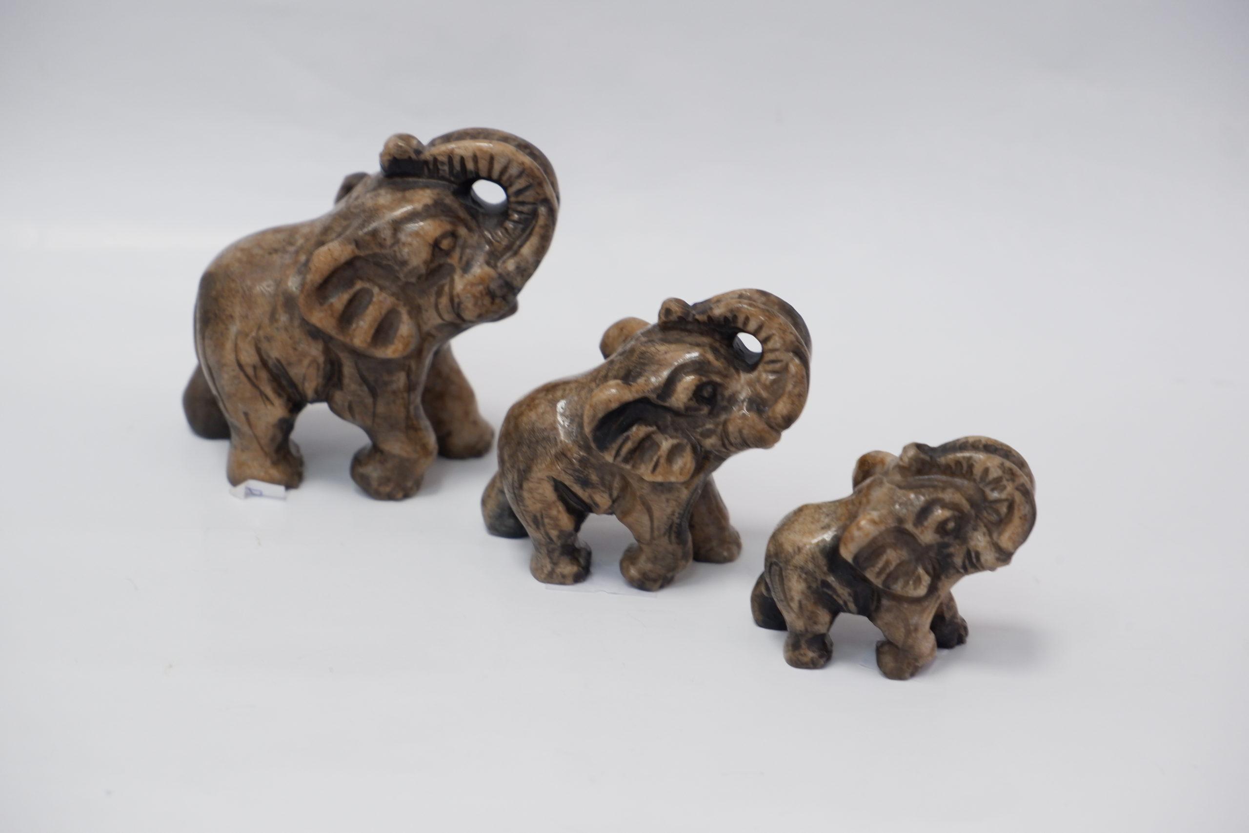 Слоны из ангидрита