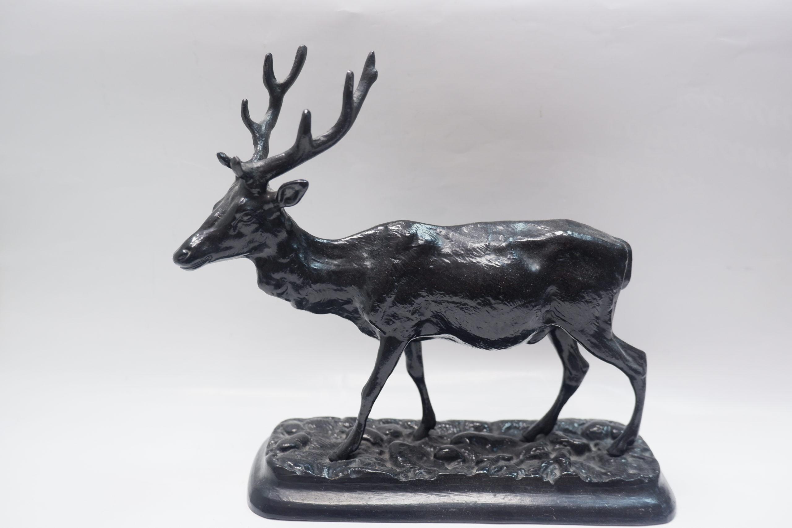 Северный олень из каслинского литья