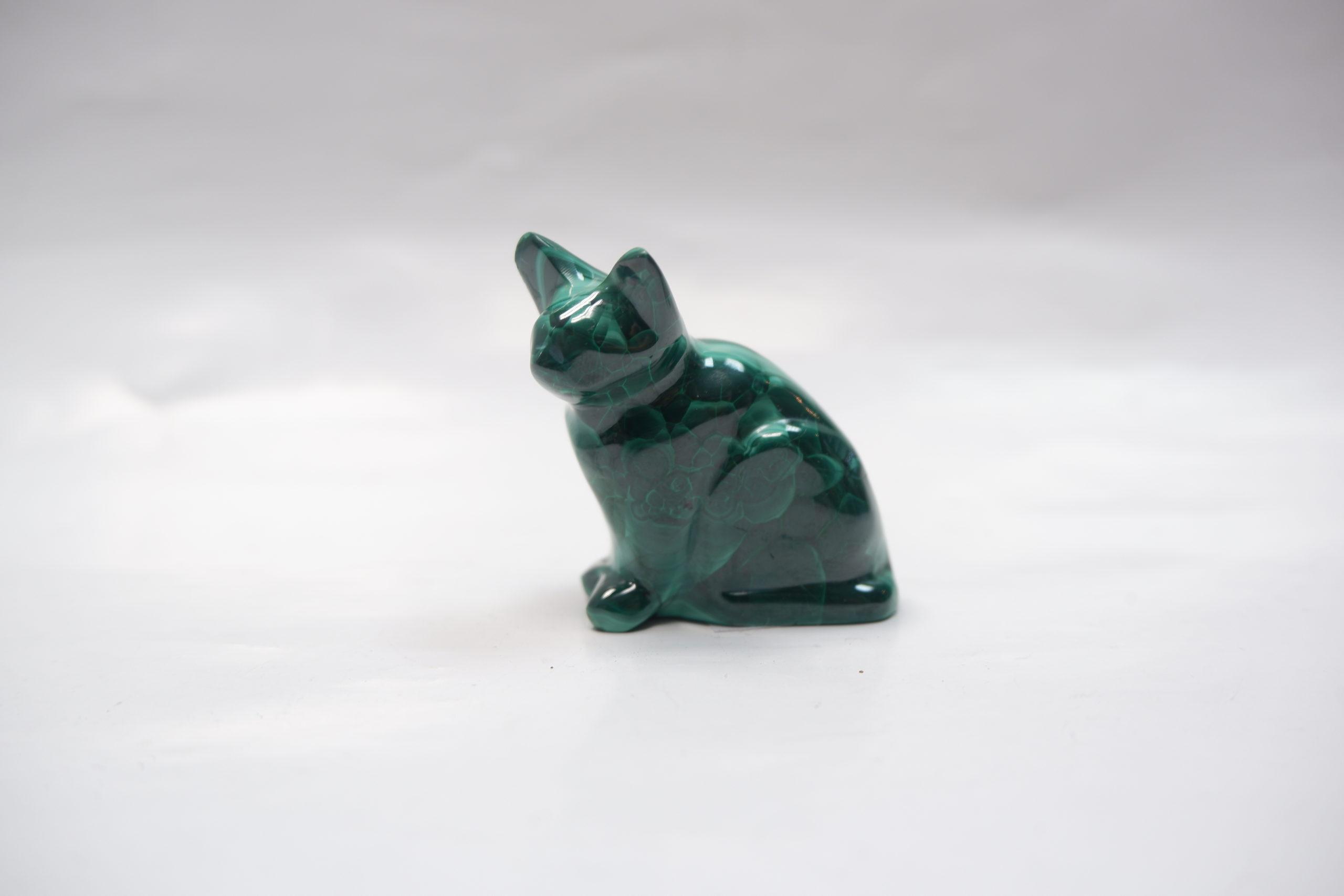 Кошка из малахита
